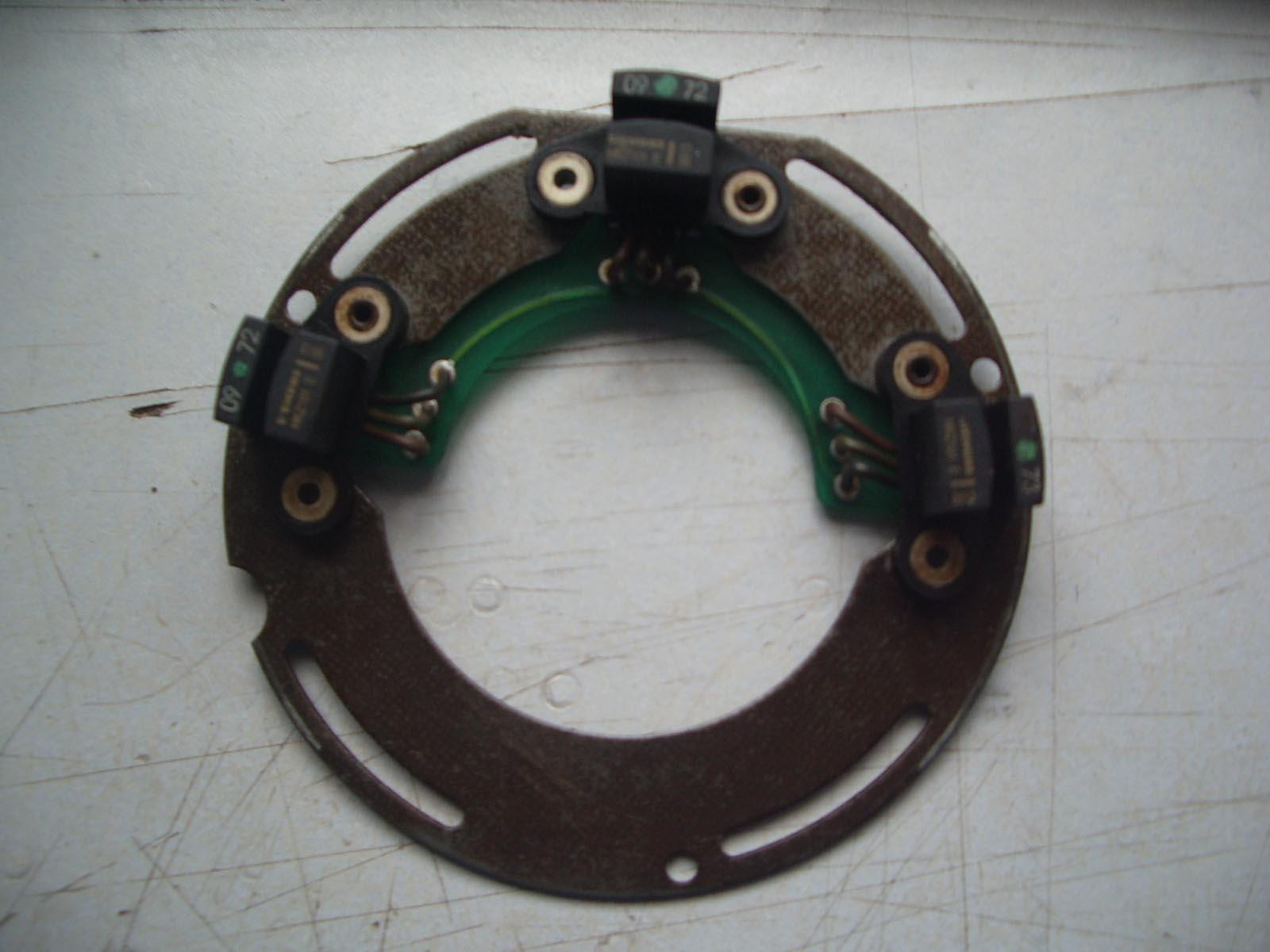 电机尾端的3个霍尔效应叶片位置传感器与转子如何定位